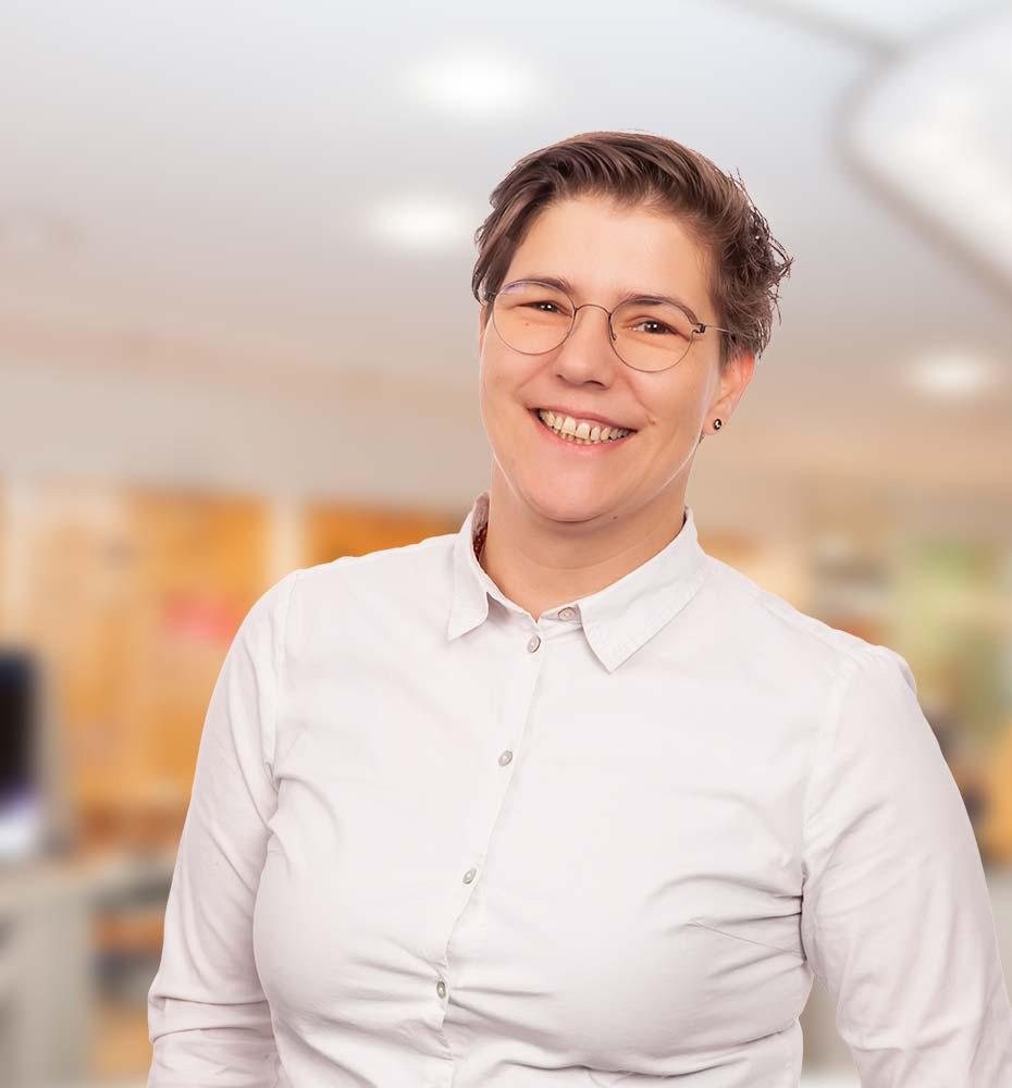 Julia  Seibel, Augenoptikerin
